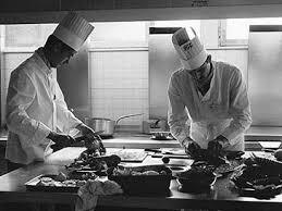equipe de cuisine chef de cuisine production des repas compass