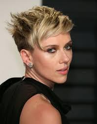 coupe femme cheveux courts coiffure femme cheveux court autour de la coupe pixie et carré bob