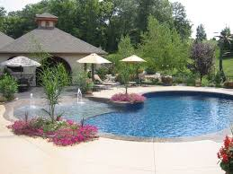 Backyard Swimming Pools by Best 25 Zero Entry Pool Ideas On Pinterest Beach Entry Pool