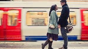 l amour dans le bureau à londres une application permet de trouver l amour dans le métro