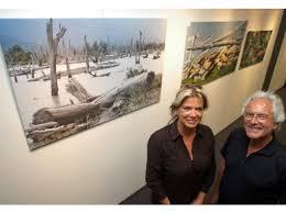Malereien und Fotografien zeigen Angelika Gerhardt und Dr. Helge van den Bruck in ihrer Gemeinschaftsausstellung im City-Center der Sparkasse. - 0020523356-0051639796