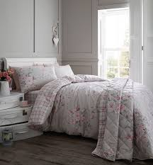 6 quick u0026 easy ways to spruce up your bedroom this spring with