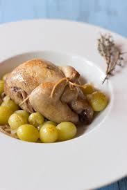 comment cuisiner des cailles au four recette de cailles aux raisins