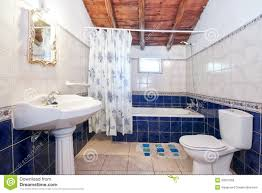 vintage bathroom decorating ideas best retro bathroom ideas images on pinterest retro ideas 22