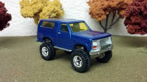 Ford Bronco Lifted Mud Truck - ford bronco 1985 1 64 scale custom lifted ford bronco