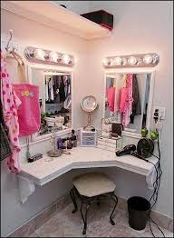 Corner Makeup Vanity Set Best 25 Corner Vanity Table Ideas On Pinterest Corner Vanity