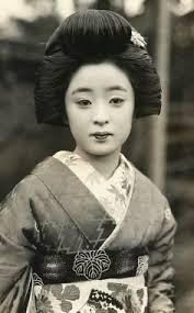 Geisha Hairstyles Gladly Geisha Geisha Vintage And Japan