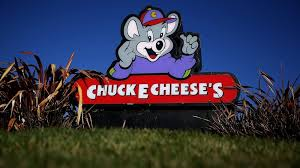 claims found dead mouse in chuck e cheese play area