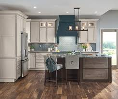 lowes medium oak kitchen cabinets at lowes finishes thatch on maple