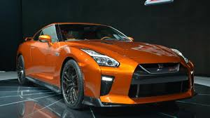 Nissan Gtr New - 2017 nissan gt r zoomed with 565 hp at new york drivers magazine