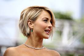 best layered hairstyles for sagging jawline tips for bob hair styles aarp
