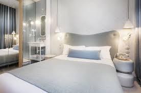 chambre lapin hôtel le lapin blanc hôtel près du jardin du luxembourg à