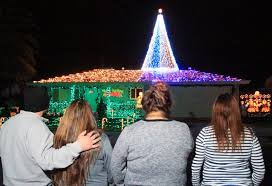 christmas light show house music christmas light and music show starts sixth run on mesa drive