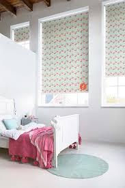 store chambre bébé aménager la chambre de bébé et d enfant les stores intérieurs