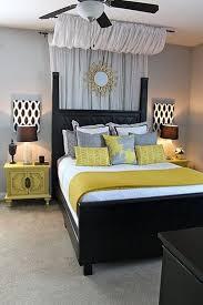 Creative Ways To Make Your Small Bedroom Look Bigger Ceilings - Bedroom look ideas
