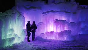 Ice castle becomes tourist attraction in n h