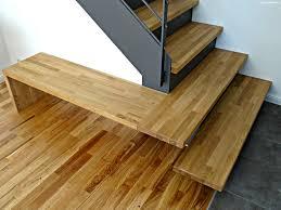 treppen stahl holz moderne treppe aus stahl holz mit kleiner bank modern flur