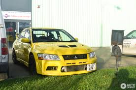 mitsubishi yellow mitsubishi lancer evolution vii 1 november 2017 autogespot