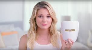 neutrogena face mask light olivia holt reveals how the new light therapy for acne treatment