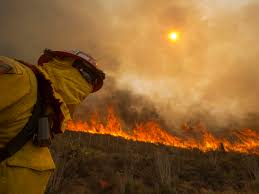 California Wildfires Ventura County by California Wildfire Firefighters Aided By Favorable Weather Cbs News