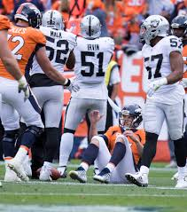 Oakland Raiders American Flag Derek Carr Gives Raiders Injury Scare In 16 10 Loss To Broncos