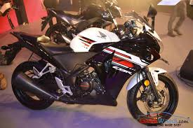 honda cbr models and prices cbr150r and cbr250r refreshed variants prices announced