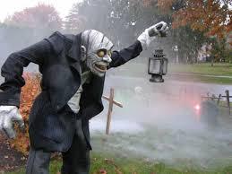 scary halloween garden decor ideas