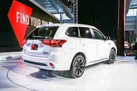 2017 mitsubishi outlander sport limited edition mitsubishi outlander plug in hybrid finally debuts in u s form