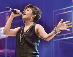 sunidhi lend voice hindi tv premiere u0027frozen u0027 58670