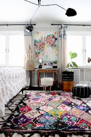 such a beautiful boho artsy bedroom that boucherouite rug from