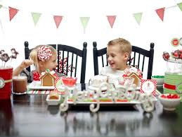 host a kid friendly gingerbread house decorating party hgtv