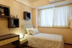 chambre du vide chambre à coucher image stock image du vide édredon
