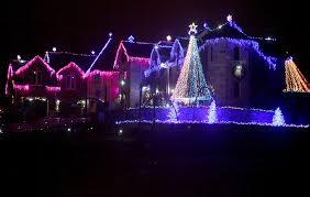 larsen u0027s christmas light show starts thursday in elburn kane