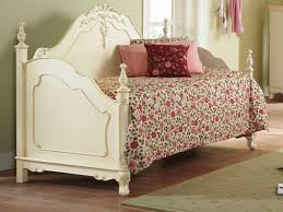Cheap Daybed Cheap Daybed Comforter With Floral Detail With White Wooden