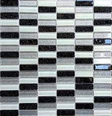 Glass Tile Border 20 Amazing Pictures Of Bathroom Makeovers With Glass Tile