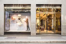 design décor the importance of creative unique retail window