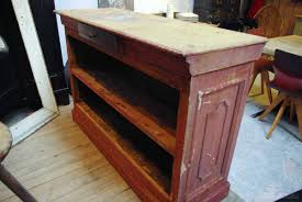 Table En Caisse En Bois Ancien Comptoir De Caisse En Bois Par Le Marchand D U0027oublis