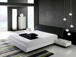 weiße schlafzimmer modische weiße low profile plattform bett mit schwarzem kopfteil