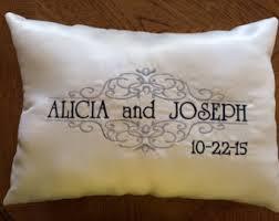 wedding kneeling pillows bridal white wedding kneeling pillows padrino de cojines