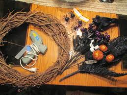 carri us home a spooky halloween wreath