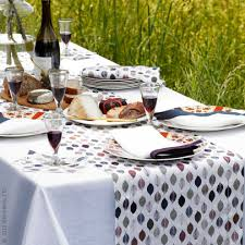autumn harvest table linens bring all the beautiful earthy colors of autumn s glorious foliage