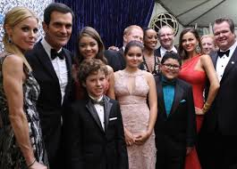 on the set of modern family post thanksgiving photos