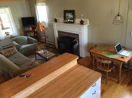 cute cape cod style cottage with two bedrooms and one bath