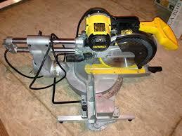 dewalt dw708 12 inch double bevel sliding compound miter saw