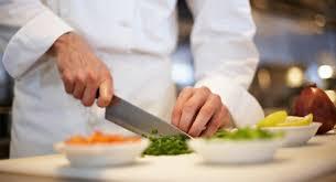 restauration cuisine fiche de poste du cuisinier cuisinière reso emploi emploi