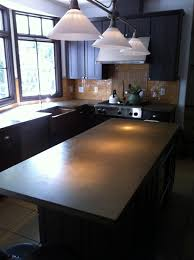 granite countertop white kitchen cabinets what color walls