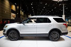 ford explorer price canada suv 2019 ford explorer availability in canada 2018 suvs worth