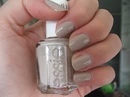 girlsandbeyond glitter ice cream nail art