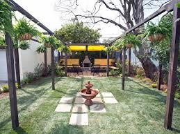15 innovative designs for courtyard gardens hgtv best 25 garden oasis ideas on garden garden