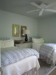 Ideas For A Guest Bedroom - 5 fast u0026 easy summer guest bedroom touchups